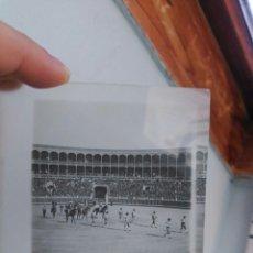 Fotografía antigua: PLACA CRISTAL DE ESTEREOSCÓPICA. PRINCIPIOS DE SIGLO XX. CORRIDA DE TOROS.. Lote 117887724