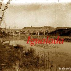 Fotografía antigua: IGUALADA - PONT SOBRE L' ANOIA - 1920'S - NEGATIU DE VIDRE . Lote 121642619