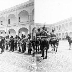 Fotografía antigua: VALENCIA - REYES ALFONSO XIII Y VICTORIA EUGENIA -NEGATIVO EN CRISTAL ESTEREOSCOPICO - AÑOS 1920-30. Lote 128365755