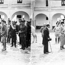 Fotografía antigua: VALENCIA - REYES ALFONSO XIII Y VICTORIA EUGENIA -NEGATIVO EN CRISTAL ESTEREOSCOPICO - AÑOS 1920-30. Lote 128367927