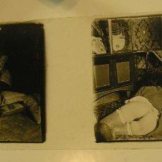Fotografía antigua: ANTIGUA FOTOGRAFIA FOTO NEGATIVO CRISTAL MUJER DESNUDO POSIBLEMENTE EN UN BURDEL DE LA EPOCA AÑOS 20. Lote 143876630