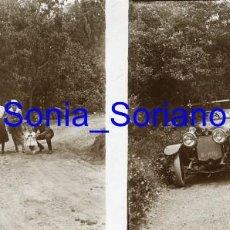 Fotografía antigua: MONTSERRAT, BARCELONA, RUTA SAN JERONIMO COCHE ANTIGUO - CRISTAL ESTEREOSCOPICO - PRINCIPIO 1900. Lote 143923846