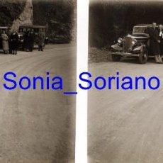 Fotografía antigua: MONTSERRAT, BARCELONA, RUTA SAN JERONIMO? COCHES ANTIGUOS - CRISTAL ESTEREOSCOPICO - PRINCIPIO 1900. Lote 143927462