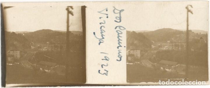 Fotografía antigua: FOTOGRAFÍA ESTEREOSCÓPICA - DOS CAMINOS - VIZCAYA - AÑO 1923 - Foto 2 - 146595346