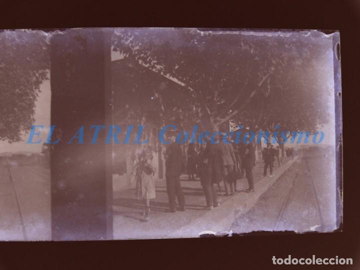 Fotografía antigua: VALENCIA O PROVINCIA - ESTACION DEL TREN - NEGATIVO EN CRISTAL ESTEREOSCOPICO - AÑOS 1920-30 - Foto 3 - 154065410