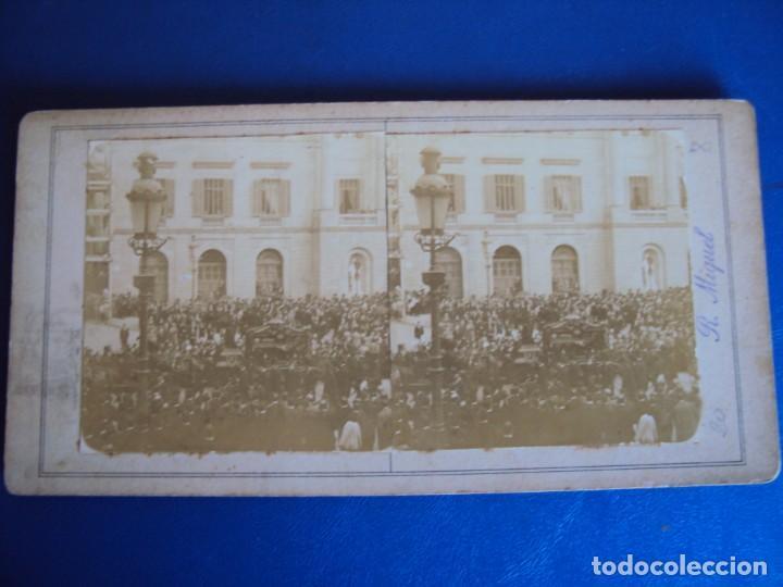 Fotografía antigua: (ES-190341)FOTOGRAFIA ESTEREOSCOPICA DE BARCELONA-L´ENTERRO DE MOSSEN CINTO.13-6-1902.R.MIQUEL - Foto 2 - 155283374