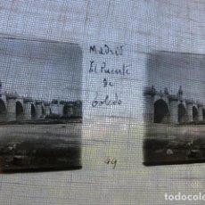 Fotografía antigua: MADRID PUENTE DE TOLEDO PLACA ESTEREOSCOPICA EN CRISTAL 4 X 10,5 CMTS HACIA 1900. Lote 155687062