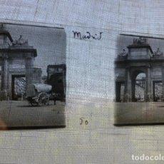 Fotografía antigua: MADRID PUERTA DE TOLEDO PLACA ESTEREOSCOPICA EN CRISTAL 4 X 10,5 CMTS HACIA 1900. Lote 155687194