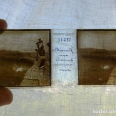 Fotografía antigua: BIARRITZ NIÑOS TIRANDOSE AL AGUA PLACA ESTEREOSCOPICA EN CRISTAL 4 X 10,5 CMTS HACIA 1900. Lote 155687962