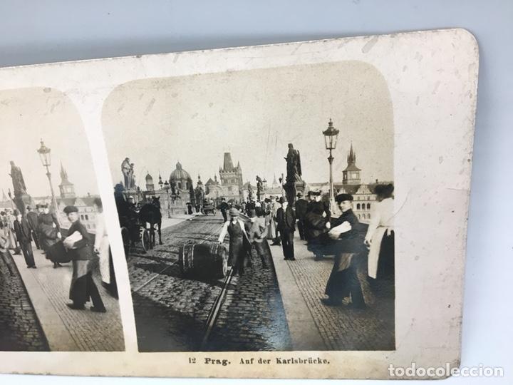 Fotografía antigua: FOTOGRAFIA ESTEREOSCOPICA DE PRAGA SOBRE EL PUENTE DE CARLOS NUM 112 PRAG. AUF DER KARLSBRÜKE - Foto 4 - 167950020