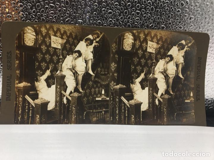 Fotografía antigua: FOTOGRAFIA ESTEREOSCÓPICA - IMPERIAL SERIES 5492 - TRAVESURAS DE MUCHACHAS - EL DIABLO SUELTO - - Foto 4 - 167956308