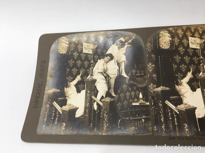 Fotografía antigua: FOTOGRAFIA ESTEREOSCÓPICA - IMPERIAL SERIES 5492 - TRAVESURAS DE MUCHACHAS - EL DIABLO SUELTO - - Foto 3 - 167956308