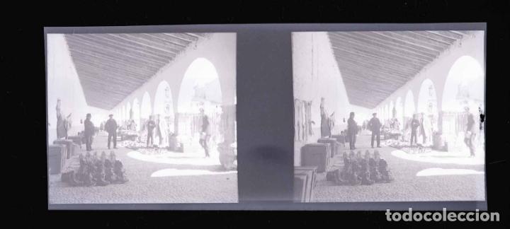 Fotografía antigua: Norte de España. Galicia. Mercado. Plaza. c.1930 - Foto 2 - 168282284
