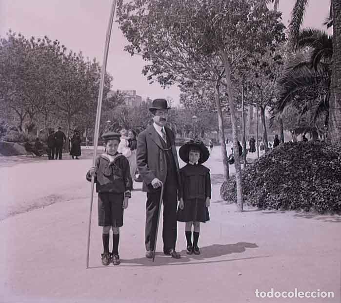 BARCELONA. PARQUE. CIUDADELA. PADRE E HIJO. C. 1930 (Fotografía Antigua - Estereoscópicas)