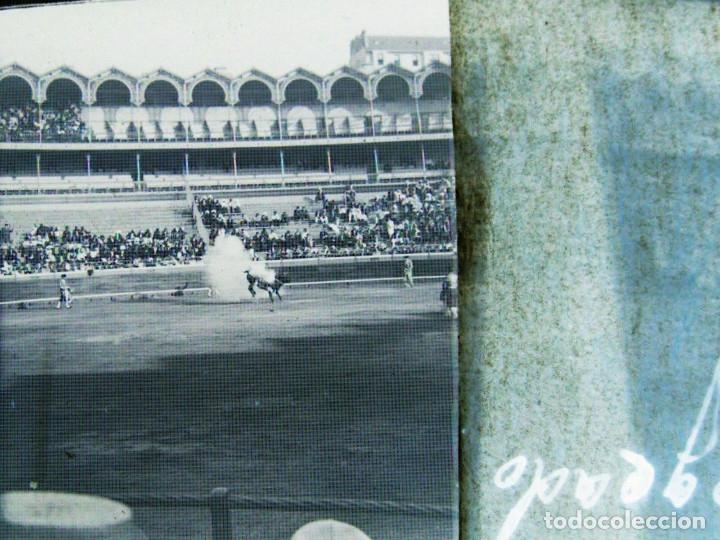 Fotografía antigua: Lote de Placas estereoscópicas. Toros en Bilbao. Principios del siglo XX. Toro fogeado. M. Riaza. - Foto 7 - 176290105
