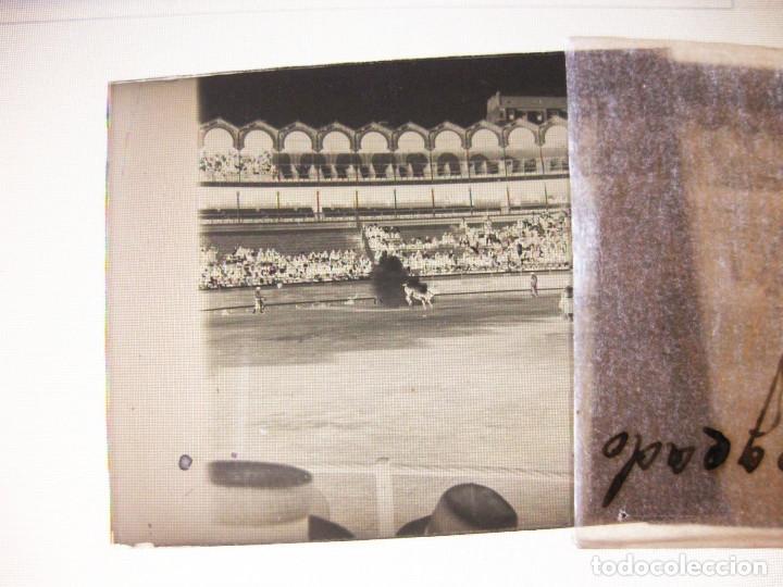 Fotografía antigua: Lote de Placas estereoscópicas. Toros en Bilbao. Principios del siglo XX. Toro fogeado. M. Riaza. - Foto 8 - 176290105