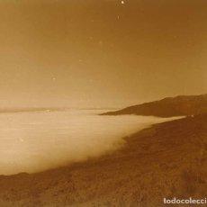Fotografía antigua: CANARIAS. NIEBLA. MONTAÑAS. 1960. Lote 177278092