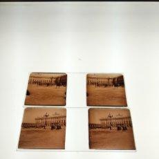 Fotografía antigua: 2 PLACAS ESTEREOSCOPICAS EN POSITIVO MADRID PALACIO REAL SOLDADOS EJERCITO. SOBRE EL 1900. Lote 182153117