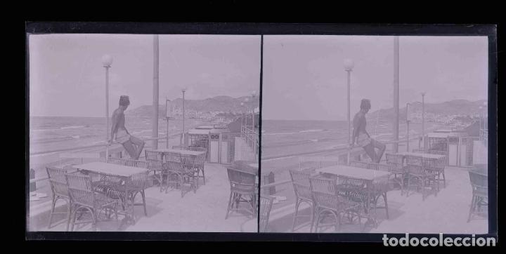 Fotografía antigua: SITGES. Terraza. Bar. Chico. preciosa imagen. c. 1930 - Foto 2 - 188506472