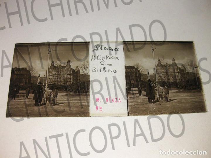 Fotografía antigua: Lote de 17 placas estereoscópicas de Bilbao. Animadas. Fotógrafo M. Riaza. - Foto 28 - 194073763