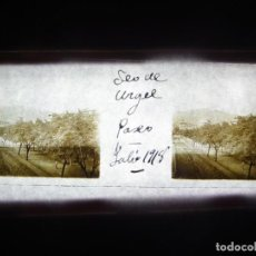 Fotografía antigua: FOTO POSITIVO EN CRISTAL ANTIGUO SEO DE URGEL - LERIDA. 1918.. Lote 194680797