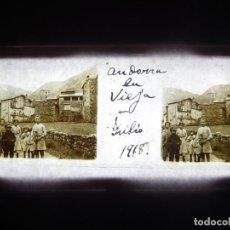 Fotografía antigua: FOTO POSITIVO EN CRISTAL ANTIGUO ANDORRA LA VIEJA 1918.. Lote 194685970