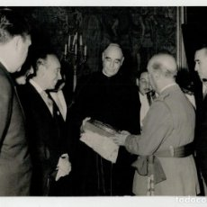 Fotografía antigua: FOTOGRAFIA ORIGINAL - FRANCISCO FRANCO - . Lote 196455973