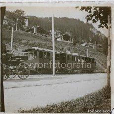 Fotografía antigua: TRANVÍA EN LOCALIZACIÓN DESCONCIDA, 1920'S. CRISTAL POSITIVO ESTEREO 4X10 CM.. Lote 199188647