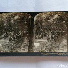 Fotografía antigua: FOTOGRAFIA ESTEREOSCOPICA, CONCIERTO POR LA TARDE EN EL JARDIN DE LAS PALMAS, FRANKFORT, 1903, RARA. Lote 206924320