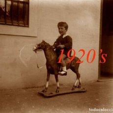 Fotografía antigua: JUGUETE - NIÑO - 1920'S - BARCELONA - NEGATIVO DE VIDRIO. Lote 209640250