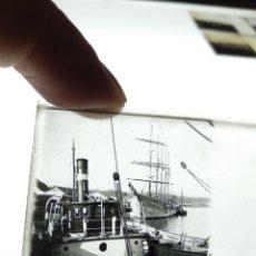 Fotografía antigua: PLACA ESTEREOSCOPICA EN POSITIVO BARCOS 1920. PUERTO A IDENTIFICAR. Lote 210258472