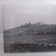 Fotografía antigua: .ESTEREOSCOPICA EN CRISTAL. OROPESA. VISTA DEL CASTILLO. TOLEDO.12,50 X 5,50 CM. Lote 213073465