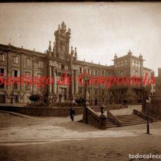 Fotografía antigua: HOSPEDERIA SAN MARTIN PINARIO - SANTIAGO DE COMPOSTELA - 1910 - NEGATIVO DE VIDRIO. Lote 213631080
