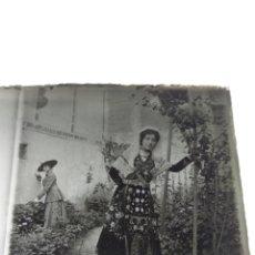 Fotografía antigua: PLACA ESTEREOSCÓPICA CRISTAL EN POSITIVO SALAMANCA TRAJE REGIONAL. SOBRE 1920. Lote 248950130