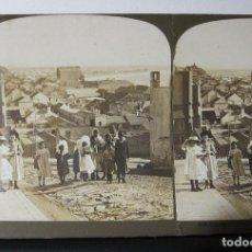 Fotografía antigua: 1 ESTEREOSCOPICA CARTON. SUDAFRICA, PORT ELIZABETH. A GROUP OF CHILDREN ON THEIR WAY TO SCHOOL. Lote 261550555