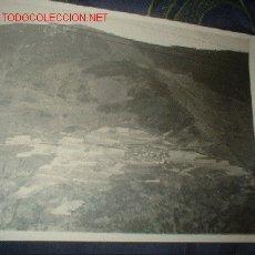 Fotografía antigua: ANTIGUA FOTOGRAFIA VISTA AEREA PUEBLO.. Lote 312034