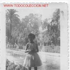 Fotografía antigua: PRECIOSA NIÑA `POSANDO MIDE 10CM X 7 . Lote 3085194