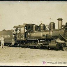 Fotografía antigua: FOTO DEL TREN LOCOMOTORA DEL CENTRAL AZUCARERO MANUELITA, CIENFUEGOS - CUBA. AÑOS 20.. Lote 25625603
