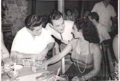 FOTO ORIGINAL DEL ARCHIVO LA REVISTA MAÑANA, LOLA FLORES EL ACTOR JOSE SUAREZ CON BETO BARNEY (Fotografía Antigua - Fotomecánica)