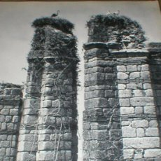 Fotografía antigua: MERIDA BADAJOZ ACUEDUCTO ROMANO MICHAEL WOLGENSINGER LAMINA 1950. Lote 24561155