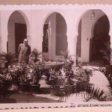 Fotografía antigua: ANTIGUA FOTO, VALENCIA, EXPOSICION REGIONAL 1948, PATIO INTERIOR, ARCOS ARABES. Lote 15358317