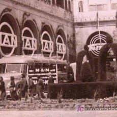 Fotografía antigua: ANTIGUA FOTO, VALENCIA, EXPOSICION REGIONAL 1948, AUTOBUS, MAN. Lote 15358369
