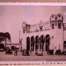 Fotografía antigua: ANTIGUA FOTO, VALENCIA, EXPOSICION REGIONAL 1948, ENTRADA PRINCIPAL PABELLON DE LA EXPOSICION. Lote 15358751