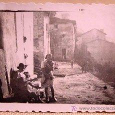 Fotografía antigua: ANTIGUA FOTO, GUADALAJARA, TRILLO, 1941, LABORATORIO CAMARILLO. Lote 20647494