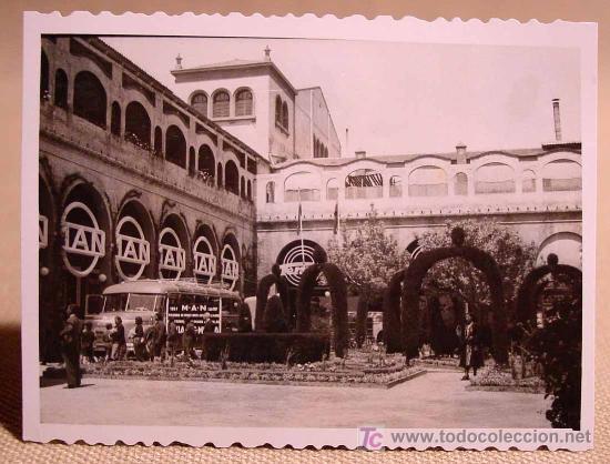 Fotografía antigua: ANTIGUA FOTO, VALENCIA, EXPOSICION REGIONAL 1948, AUTOBUS, MAN - Foto 2 - 15358369