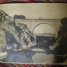 Fotografía antigua: FOTO PRINCIPIO SIGLO XX PUENTE DE L´ARCÀ SOBRE EL RIO CLARIANO AYELO DE MALFERIT VALENCIA 29,50 X . Lote 26479554