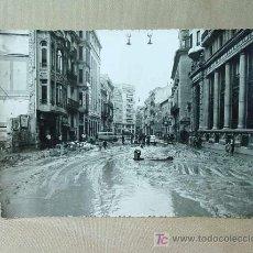 Fotografía antigua: FOTOGRAFIA FOTO, VALENCIA, RIADA 1957, CALLE DE LAS BARCAS, 17,3 X 12,5 CM, ESTUDIO JAIME ESPARZA. Lote 17038009