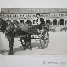 Fotografía antigua: FOTOGRAFIA PLAZA DE ESPAÑA - SEVILLA AÑO 1956. Lote 27125668