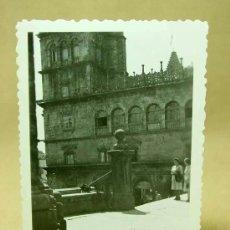 Fotografía antigua: FOTOGRAFIA, FOTO, SANTIAGO DE COMPOSTELA, CATEDRAL, GALICIA, ANIMADA, 1940S. Lote 19296025
