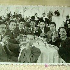 Fotografía antigua: ANTIGUA FOTO, FOTOGRAFIA, VIVEROS MUNICIPALES, VALENCIA, BODA, 1949, FERNANDEZ Y FONFRIA. Lote 19578726